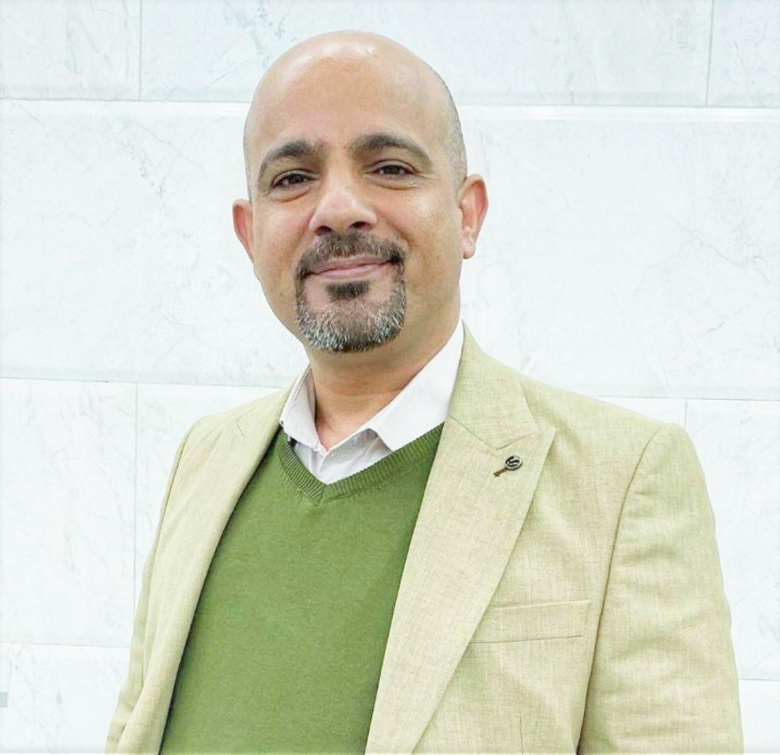 صورة الاستاذ حسن عبدالكاظم الربيعي